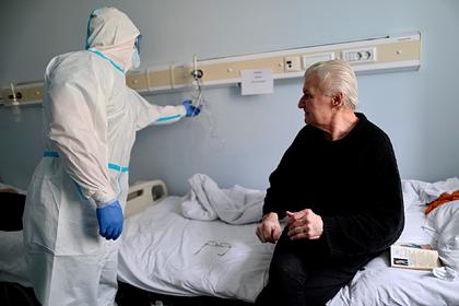 Минздрав рассказал о нетипичном течении коронавируса у пожилых россиян