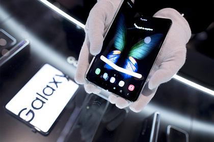 Samsung вернет съемные аккумуляторы в смартфоны