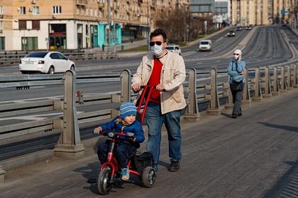 Москвичам разъяснили правила прогулок по графику