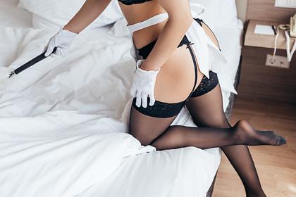 Швейцария разрешит работу проституток в перчатках и безопасных позах