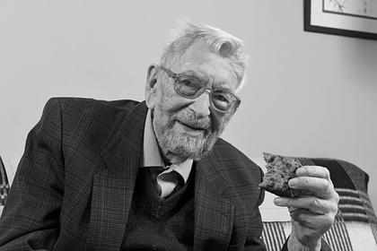 Умер самый старый мужчина в мире