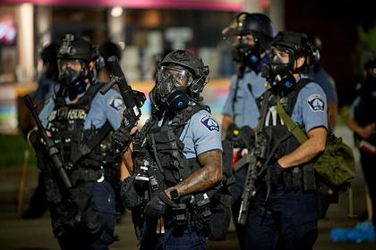Прокурор вступился за обвиненных в смерти чернокожего полицейских