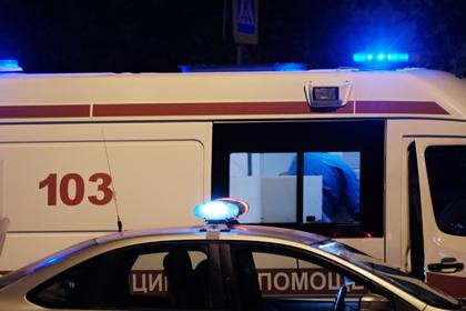 На заборе в центре Москвы нашли повешенного мужчину с ранами на животе