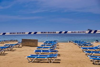 Популярные курорты нашли способы контролировать туристов на пляжах при пандемии