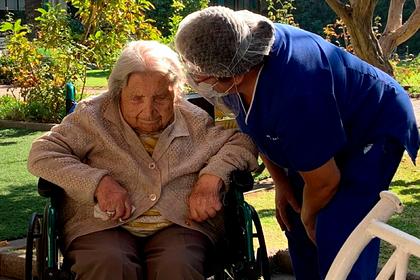 111-летняя долгожительница победила коронавирус и установила рекорд