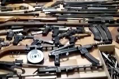 Пойманный ФСБ парикмахер оказался подпольным торговцем оружия