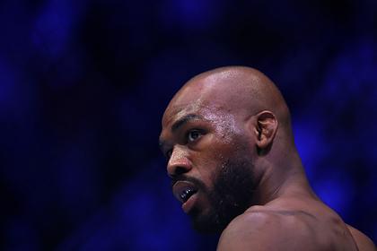Лучший боец UFC обвинил главу организации во лжи