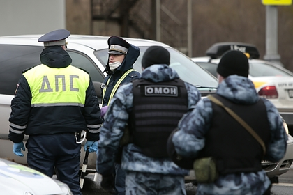Российские полицейские закатили тайную вечеринку в ресторане во время изоляции
