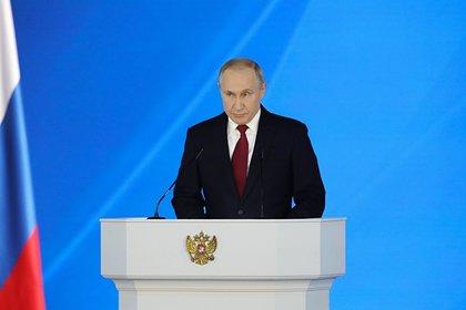 Путин озадачился из-за открытия стран для туризма