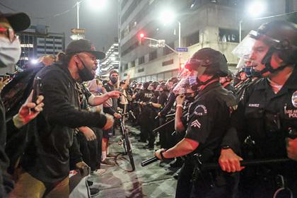В США назвали терроризмом нападения на полицейских по время беспорядков