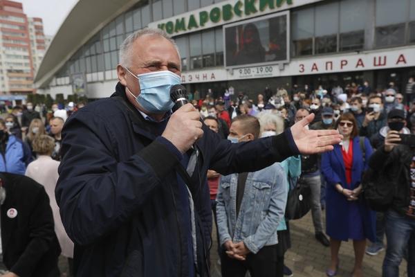 В Белоруссии люди в штатском задержали известного оппозиционера