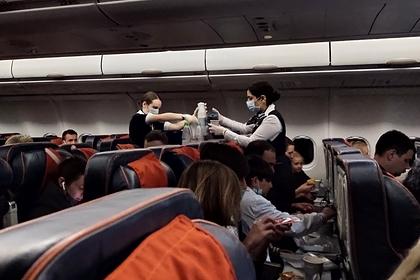 Требование об антивирусной рассадке пассажиров к авиакомпаниям отменили