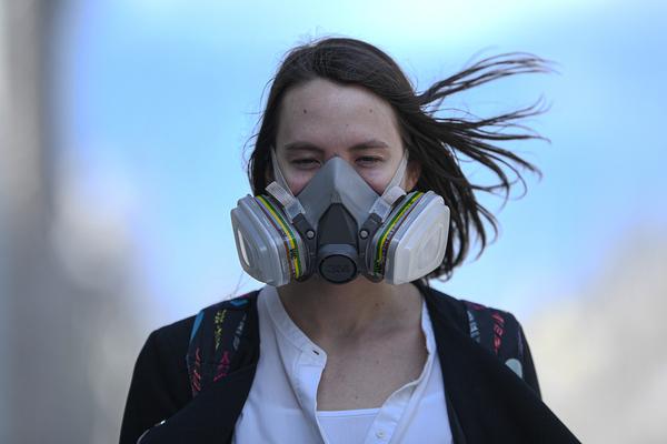 Врач назвал средство для защиты от коронавируса эффективнее масок
