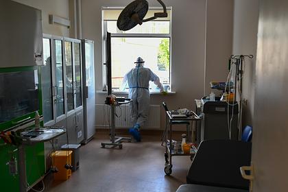 Россиянин с коронавирусом спрыгнул с третьего этажа и сбежал из больницы