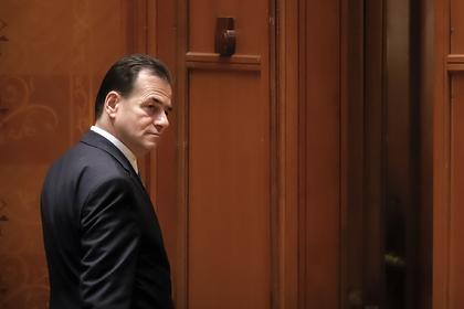 Румынский премьер получил штраф за отсутствие маски и курение