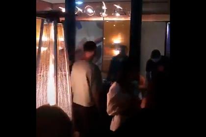 Россияне потанцевали без масок в баре и заинтересовали полицию