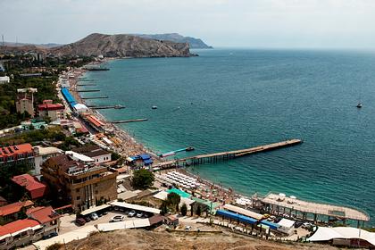 В Крыму смягчили правила заезда в отели для туристов при пандемии