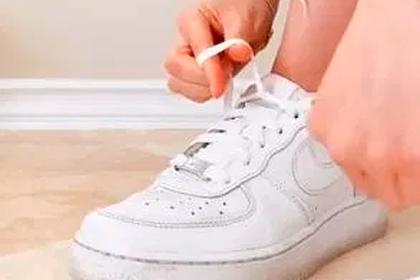 Раскрыт способ завязать шнурки за три секунды