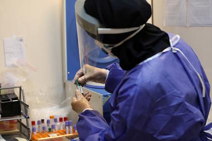 Иран предсказал вторую волну пандемии коронавируса