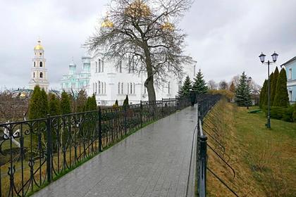 Пять монахинь умерли после вспышки коронавируса в российском монастыре