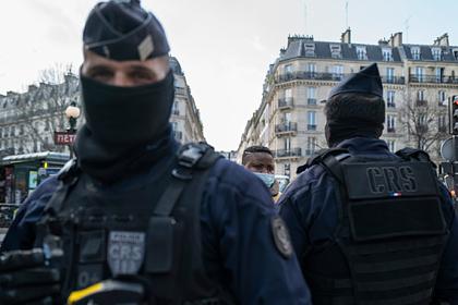 В Париже испугались беспорядков и запретили акцию в память чернокожего