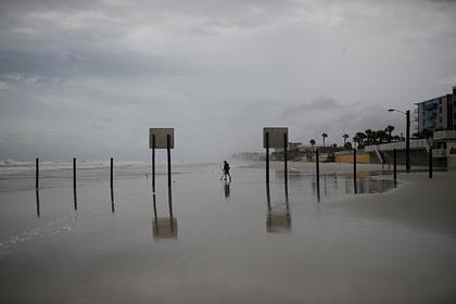 США предрекли новую вспышку коронавируса на фоне стихийных бедствий