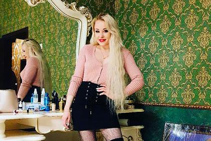 Российская порнозвезда рассказала о страхе перед возвращением на родину