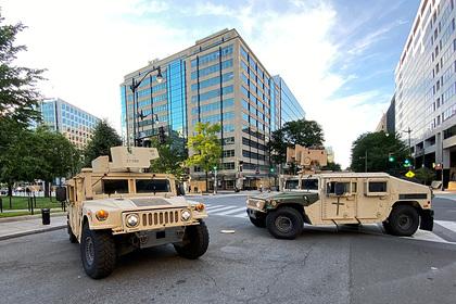Военные в Пентагоне раскритиковали Трампа за введение войск в бунтующие города