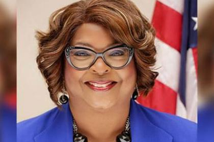 Афроамериканка впервые стала мэром города в США после убийства там чернокожего