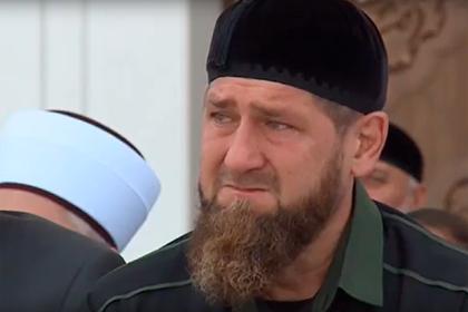 Кадыров заплакал в мечети