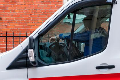 Пожилая россиянка с инвалидностью три дня провела с телом сына и кричала соседям