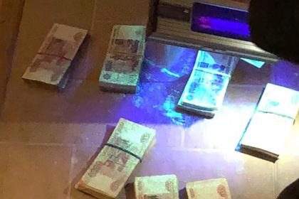 Начальник уголовного розыска попался ФСБ со взяткой от находящегося в розыске