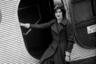 Ровно 90 лет назад первая в мире стюардесса Эллен Черч и еще семь девушек-медсестер сопровождали 14 пассажиров на 20-часовом рейсе из калифорнийского Окленда в Чикаго. Будучи совсем юной, Черч мечтала стать летчицей, однако гендерные стереотипы того времени не позволили ей достигнуть заветной цели.Тем не менее она не оставила мечту о полетах, собрала группу медсестер и убедила компанию Boeing в том, что путешественников на борту должны сопровождать милые дамы.
