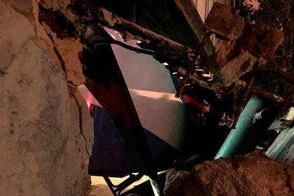 Появилось фото пробившего стену в московском метро поезда