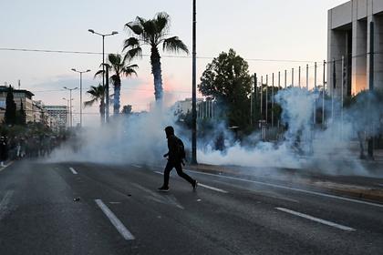 Посольство США в Греции атаковали протестующие