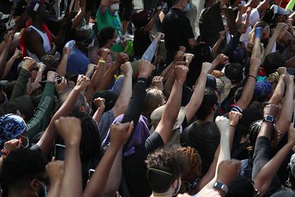 В США активистов обвинили в подстрекательстве к насилию во время протестов