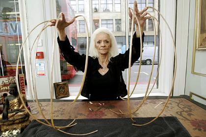 Обладательница самых длинных ногтей в мире рассказала об их потере