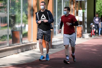 В Роспотребнадзоре оценили вероятность болезней от ношения масок