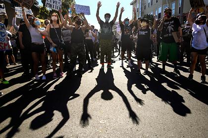 США рассказали об иностранном вмешательстве в протесты из-за смерти чернокожего