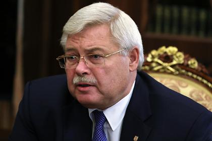В России губернатор обвинил врачей во вспышках COVID-19 и захотел лишить выплат