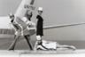 Поскольку образ стюардессы был крайне сексуализирован, в 1950-1960-х годах внешний вид бортпроводниц пытались сделать как можно более обворожительным. Мини-юбки, оголяющие стройные ноги, яркий макияж, подчеркивающий их красоту, и четко очерчивающие фигуру костюмы. Вооружившись всеми вышеперечисленными атрибутами, девушки выходили на работу и с трудом отбивались от мужчин.