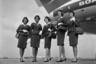 Постепенно в работе стюардесс стали появляться новые  обязанности. Так, на их хрупкие плечи свалилась уборка салона, починка кресел и даже помощь в дозаправке авиалайнеров, что привело к переменам на некоторых авиалиниях. Дизайнеры униформы наконец поняли, что женщинам, работающим на высоте, в первую очередь необходима удобная одежда.