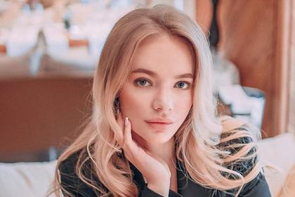 Дочь Пескова вступилась за обвиненного в расизме комментатора