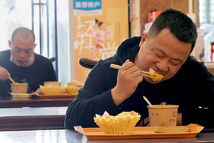 Власти раздадут китайцам деньги на шоппинг и рестораны