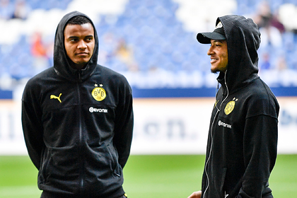 Двоих футболистов немецкого клуба оштрафовали за стрижку