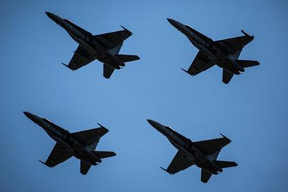 32 финских F/A-18 выполнили «Cлоновью прогулку» ради России