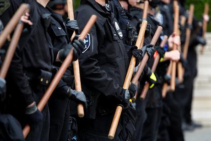 В Миннеаполисе запретят полиции использовать удушающие приемы