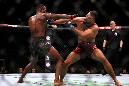 Боец UFC примкнул к протестующим против расизма