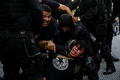 В Мексике начались массовые протесты из-за смерти задержанного полицией