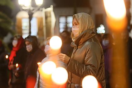 В РПЦ решили не пускать в храмы прихожан без масок